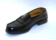 シューストレッチャーを使った革靴